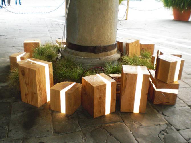 Lampada design per esterni cubi in legno e micro led - Lampade da esterno design ...